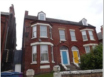 EasyRoommate UK - Large 8 Bed House off Smithdown Road, Liverpool - £300 pcm