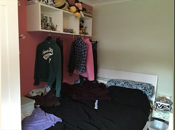 EasyRoommate UK - Double furnished room in large house, Stanford-le-Hope - £470 pcm
