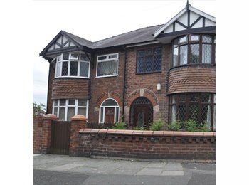 EasyRoommate UK - Large double room, furnished to a high standard, Audenshaw - £450 pcm