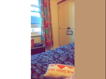Lovely room to rent in the centre of Guildford