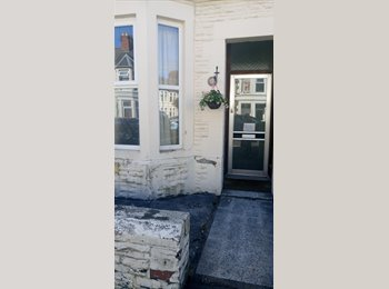 EasyRoommate UK - 1 bedroom house share Inverness Place Cardiff, Cardiff - £250 pcm