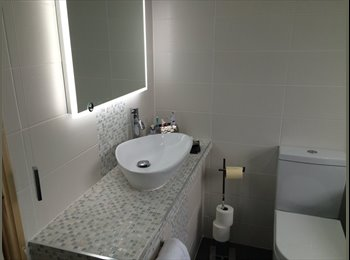 EasyRoommate UK - Double bedroom with all meals., Warrington - £500 pcm