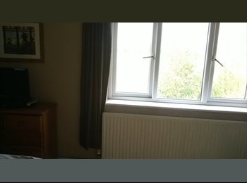 EasyRoommate UK - Double room countryside views, Saughall - £350 pcm