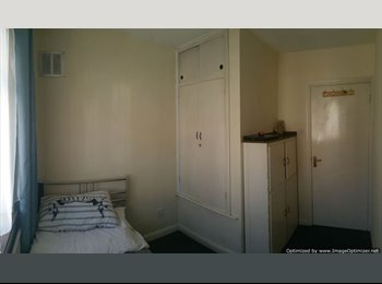 EasyRoommate UK - Beautiful single room available to rent in Wembley, Wembley Park - £350 pcm