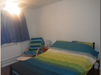 Spacious double room in quiet residential area