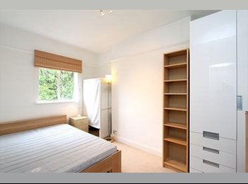 Large Double Bedroom -5 min from Victoria Station!