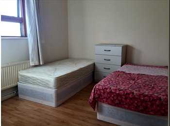 EasyRoommate UK - Lovely double room in zone 1, London - £736 pcm