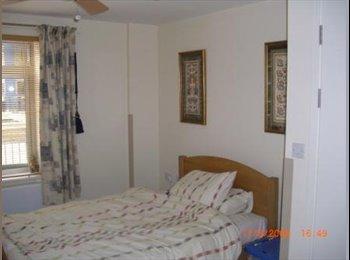 Comfortable, quiet, double room in Victoria