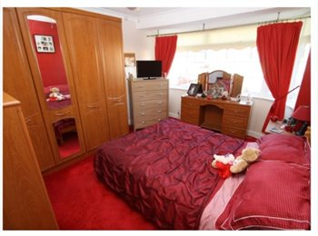 Room to rent in Romford