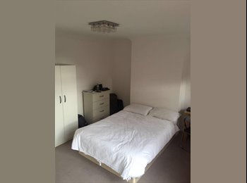 EasyRoommate UK - AMAZING KINGSIZE ROOM IN ALL SAINTS STATION(DLR) ZONE 2/ 10 MINUTES FROM LONDON CITY, London - £950 pcm