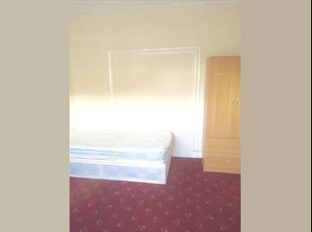Single&Double Rooms Availble In Ilford