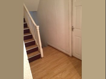 EasyRoommate UK - Big Double Room in Central London, London - £600 pcm
