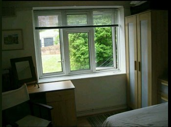 EasyRoommate UK - Double room to rent in a two bed flat - Clifton, Bristol - £550 pcm