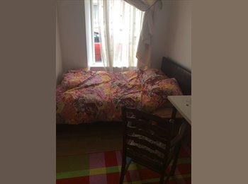 Room for rent in 2 bed flat central aberdeen. £385/m...