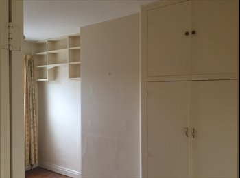 Small double room available in Oundle