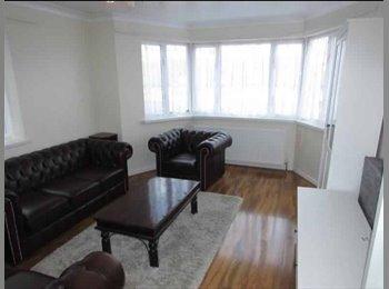 EasyRoommate UK - Bills included!! Double room in Harrow!! , London - £566 pcm