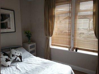 EasyRoommate UK - Short term let in Roath, Cardiff - £400 pcm