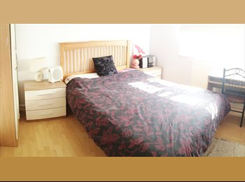Spacious Double Room in Thamesmead, SE28