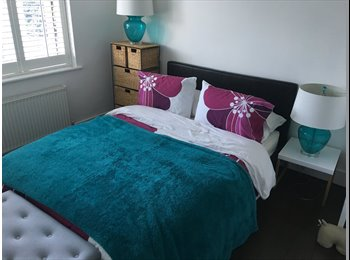 Double room to rent in a lovely home