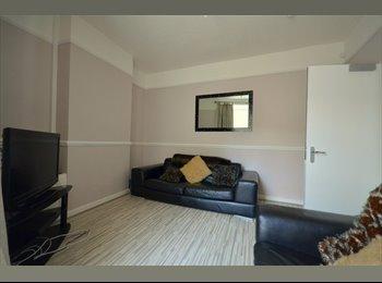 EasyRoommate UK - House Share Kensington, Liverpool - £360 pcm