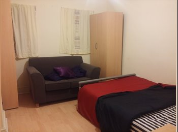 Large Double Room  - East London - East Ham - Male Only