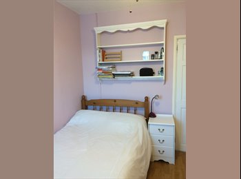 Double (small) room in Portsmouth