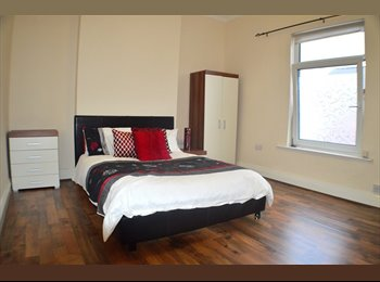 Massive Double Room Close To Town
