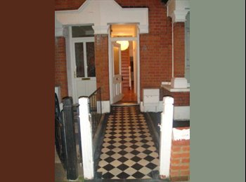 Lovely Double Rooms in Homely Relaxed House £650 & £750