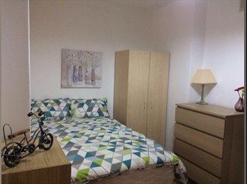 EasyRoommate UK - Double Room Available in Good Area of Manchester, Manchester - £340 pcm
