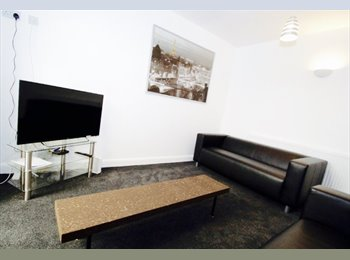 EasyRoommate UK - *Stunning 7 Bed Student House Share Accommodation*, Middlesbrough - £368 pcm