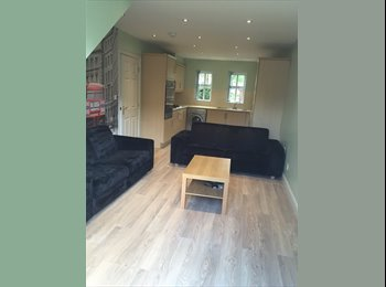 EasyRoommate UK - Four Bedroom Student Property , Manchester - £1,732 pcm