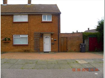 EasyRoommate UK - Lovely 4 Bed House to Rent, Canterbury - £1,270 pcm