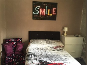EasyRoommate UK - Double furnished room , Wigan - £350 pcm