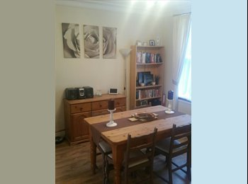 EasyRoommate UK - Double Bedroom Available, Kettering - £375 pcm