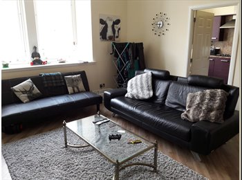 Large double bedroom, ensuite, parking, huge living room...