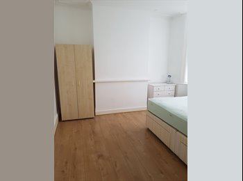 **Big Double Room Only £550pm in Edmonton**
