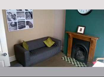 EasyRoommate UK - Large Double Room Available in Outstanding House, Derby - £295 pcm