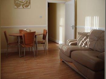 EasyRoommate UK - Single Room Available, Sunderland - £270 pcm