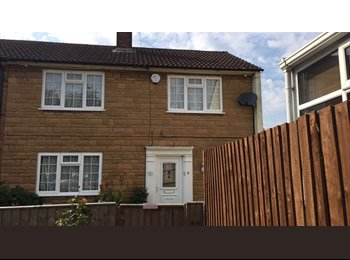 EasyRoommate UK - Beautiful Furnished Double Bedroom for Rent OX4 Area, Oxford - £500 pcm