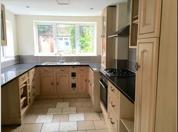 Stamford road - large town centre home