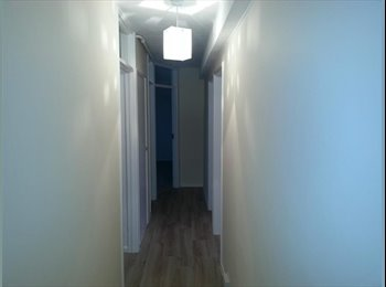 Superb 2 bedroom furnished flat situated near Broadfields...