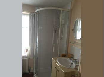 120 pw incl bills Single Room with Ensuite Shower & Sink...