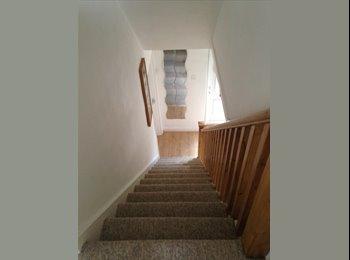 EasyRoommate UK - Large double room in central Basildon house, Basildon - £500 pcm