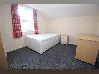 EasyRoommate UK - Nice Doubles for Rent in PR1, Preston - £285 pcm