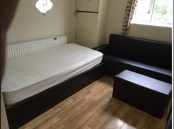 Studio Flat to Rent - Ilford
