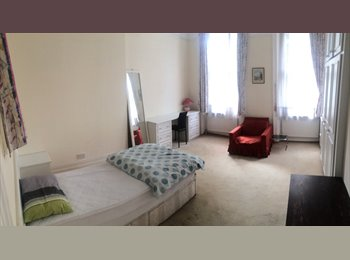 Large Spacious Double Room To Rent In The Heart Of Earls...