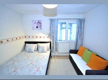 EasyRoommate UK - Cosy Double Bedroom, 런던 - £750 pcm