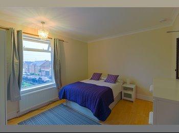 EasyRoommate UK - Refurbished House Share, Kettering - £375 pcm