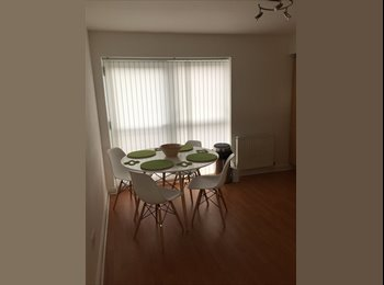 EasyRoommate UK - Double room to rent in a newly refurbished two bed flat, Glasgow - £575 pcm