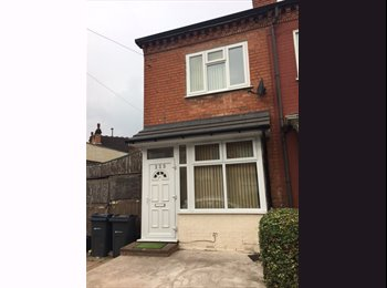 EasyRoommate UK - 2 BED SEMI DETACHED HOUSE IN SPARKHILL AVAILABLE, Birmingham - £600 pcm